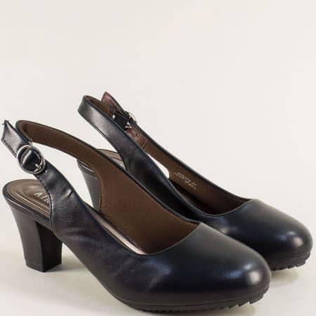 Черни дамски сандали със затворени пръсти и среден ток- MAT STAR 525103ch