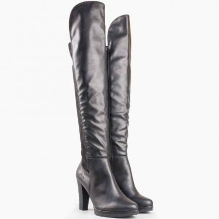 Дамски комфортни ботуши със стелка от мемори пяна на висок ток на немския производител S.Oliver в черен цвят 5525504ch