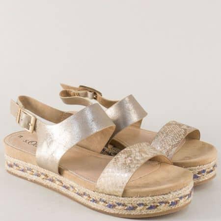 Златни дамски сандали на платформа- S.Oliver  528127zl