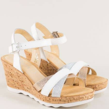 Дамски сандали на клин ходило в бяло, бронз и сребро 528301bps