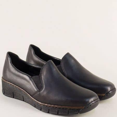 Шити дамски обувки на платформа в черен цвят- Rieker 53766ch