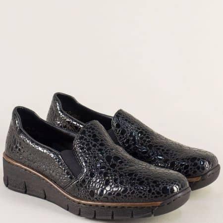 Дамски обувки с два ластика от черен естествен лак- Rieker 53766klch