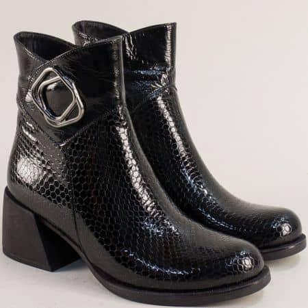 Черен лак дамски обувки на среден ток 55110krlch