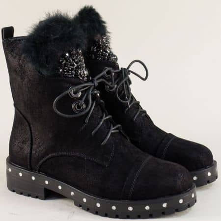 Fashion черни дамски боти с пух 57802sch