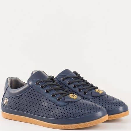 Дамски спортни обувки с връзки на удобно ходило изцяло от естествена кожа в син цвят с перфорация  604s