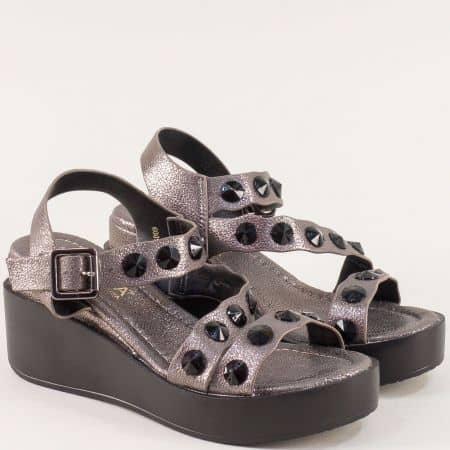 Ефектни дамски сандали с черни камъчета на платформа 6089brz