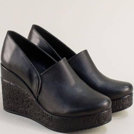 Кожени дамски обувки в черен цвят на платформа  611254ch