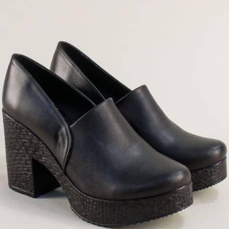Кожени дамски обувки на висок ток и платформа в черно 611655ch