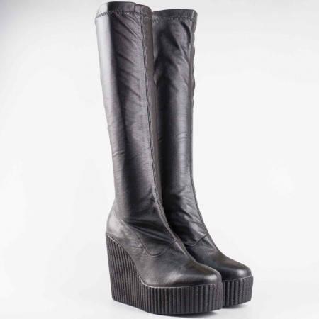 Дамски ботуши на платформа с модерна визия от стреч кожа в черен цвят 6137ch