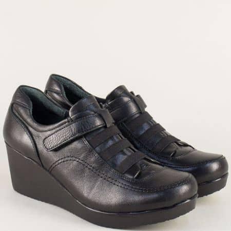 Кожени дамски обувки на клин ходило в черен цвят  614ch