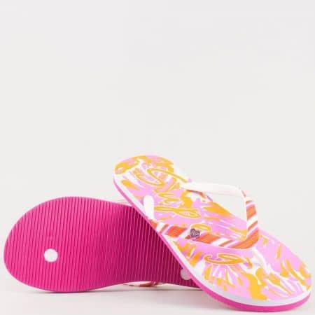Дамски ефектни джапанки с лента между пръстите на равно ходило в бяло, жълто и розово- Athletic  646rz