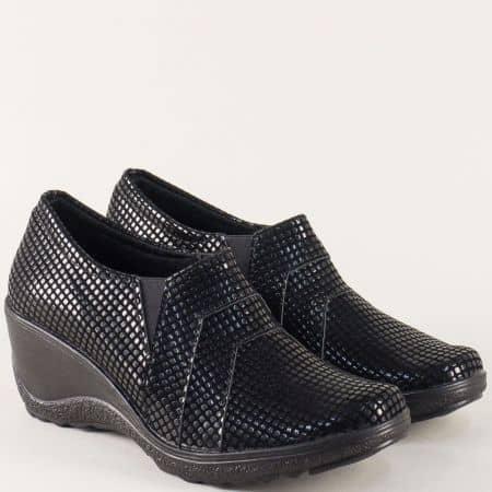 Български дамски обувки на клин ходило в черен цвят 6477254lch