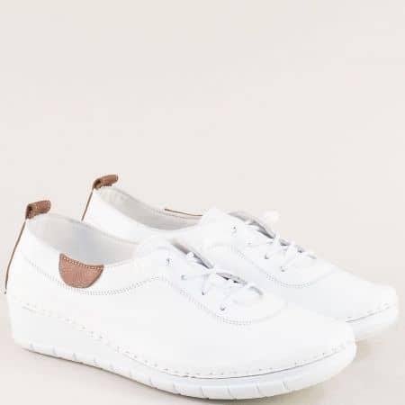 Бели дамски обувки на клин ходило от естествена кожа 65207b