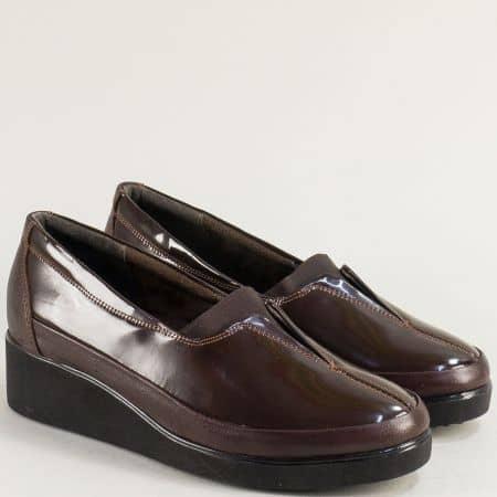 Тъмно кафяви дамски обувки от естествена лак и кожа 6522lkk