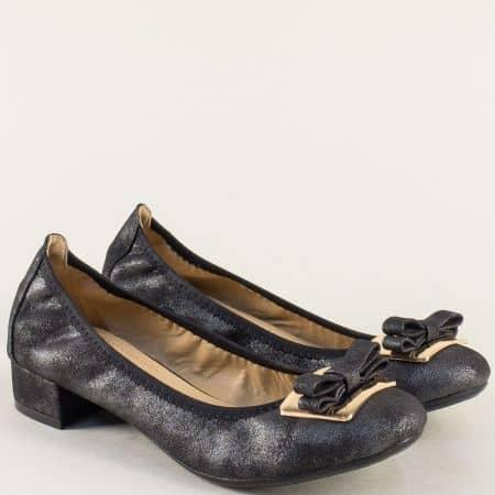 Дамски обувки на нисък ток в черен цвят с декорация 6545108ch