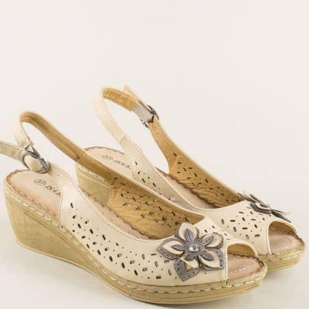 Дамски сандали в бежов цвят на клин ходило 6546001bj
