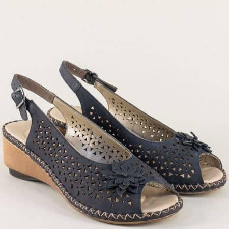 Сини дамски сандали с перфорация на клин ходило  66156s