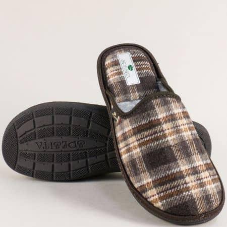 Мъжки домашни чехли с принт каре в кафяво- SPESITA 668-45k