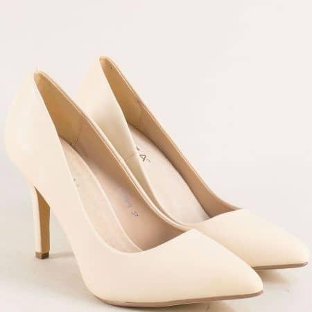 Бежови дамски обувки със заострен връх и висок ток 6789bj