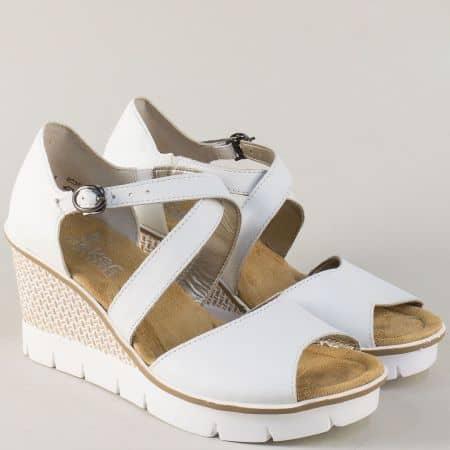 Бели дамски сандали на удобна платформа- Rieker 68548b