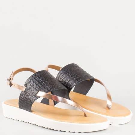 Дамски сандали между пръста с кроко принт- Lazamani в черно и златно от естествена кожа 69168ch