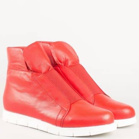 Червени високи кецове- дамски с кожена стелка и ластик от естествена кожа на български производител 69541602chv