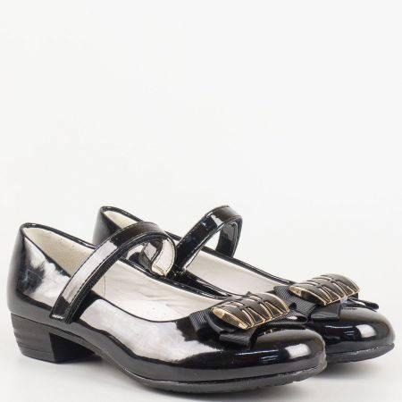 Детски елегантни обувки за момиче в черен цвят на среден ток с лепка и кожена стелка 698lch