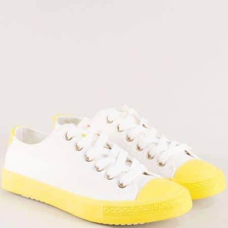 Дамски кецове с връзки в жълто и бяло на равно ходило 7001bj