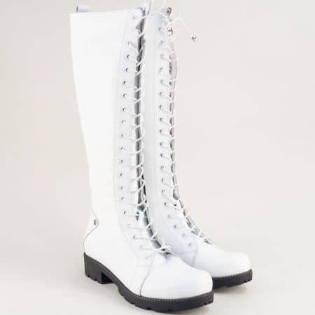 Бели дамски ботуши с връзки от естествена кожа 7011574b