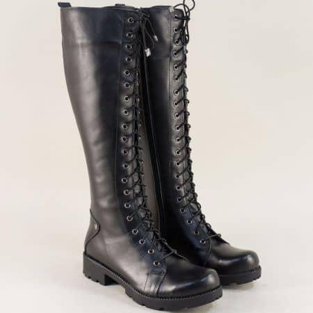 Кожени дамски ботуши с връзки и цип в черен цвят 7011574ch