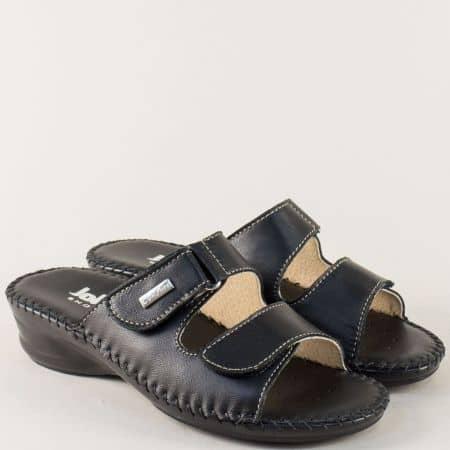 Дамски чехли в черен цвят на нисък ток с кожена стелка 70958ch