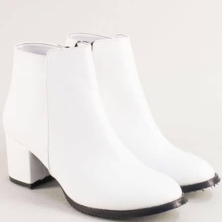Бели дамски боти с цип на стабилен среден ток 705b