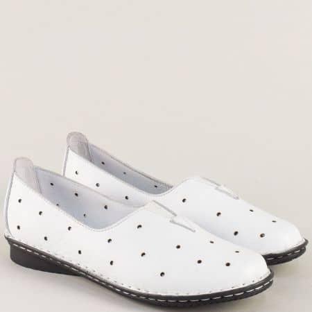 Бели дамски обувки от естествена кожа с перфорация 710b