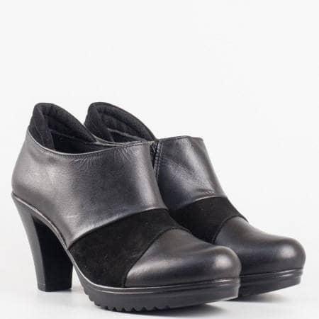 Дамски стилни обувки в комбинация от естествена кожа и велур на български производител в черен цвят 71310285ch