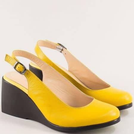 Жълти дамски обувки на клин ходило от естествена кожа 72897j