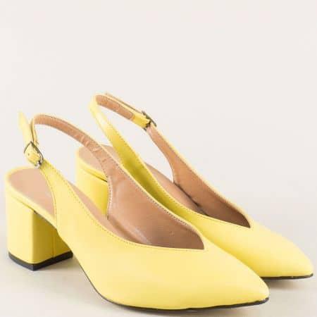 Жълти дамски обувки с отворена пета на среден ток 7304j