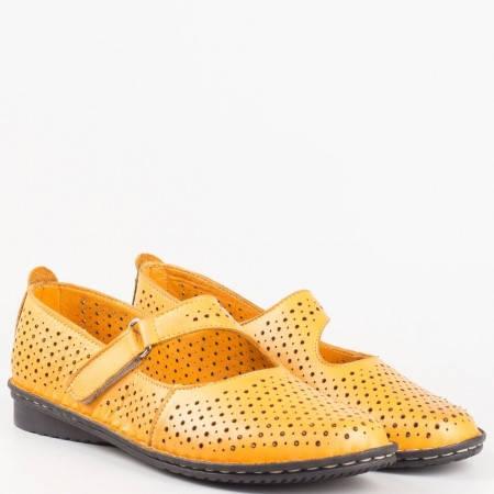 Шити оранжеви дамски обувки на нисък ток от естествена кожа с перфорация 730o