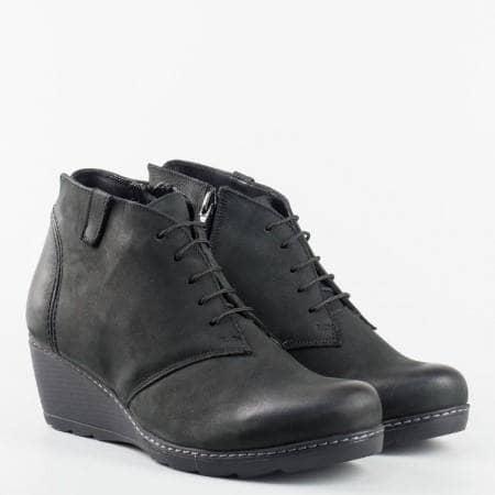 Дамски ежедневни боти в черен цвят с връзки и цип от висококачествена естествена кожа на български производител 738ch