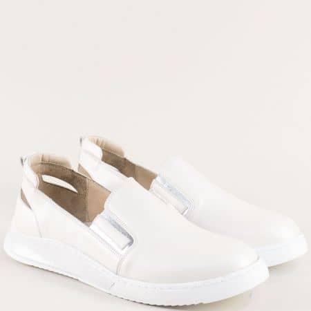 Бели дамски обувки от сатен и естествена кожа с ластик 740037mb