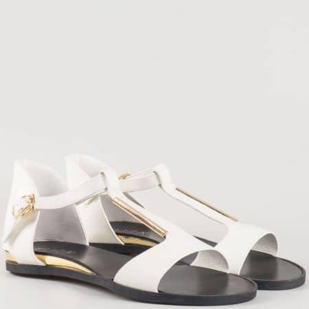 Дамски ежедневен сандал с изчистена визия на българския производител Eliza в бяло 72059b