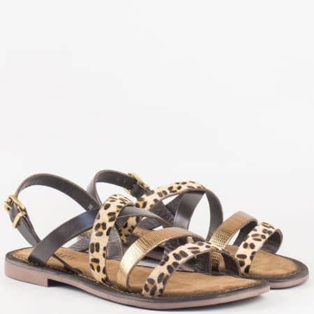Дамски ежедневни сандали с животински принт и златно на равно ходило от естествена кожа изцяло- Lazamani 75192brz