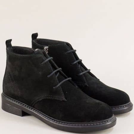 Дамски боти в черен цвят от естествен велурс цип и връзки 75541801vch