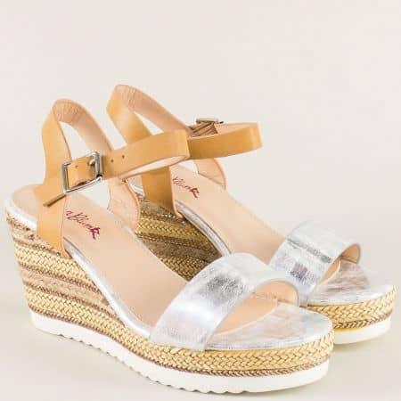 Дамски сандали в сребрист и кафяв цвят на платформа 76012sr