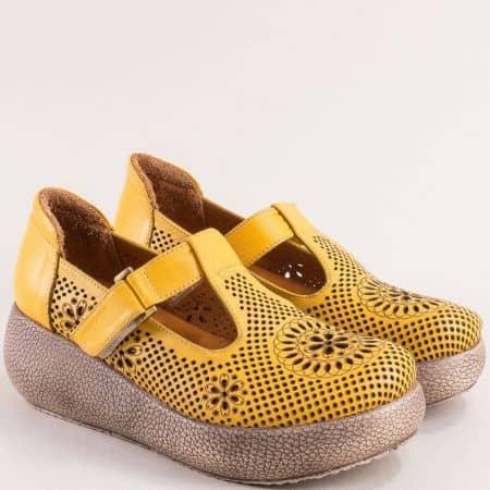 Жълти дамски обувки с перфорация на платформа 7620j