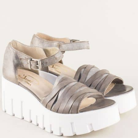 Български дамски сандали в сив цвят от естествена кожа на платформа 762981sv