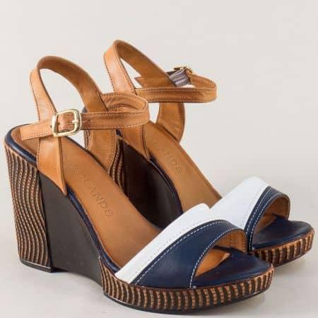 Кожени дамски сандали в син, бял и кафяв цвят на комфортна платформа 780922bk