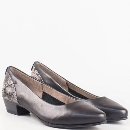 Комфортни немски обувки- Jana на нисък ток в черен цвят със сребрист змийски мотив 822200chz