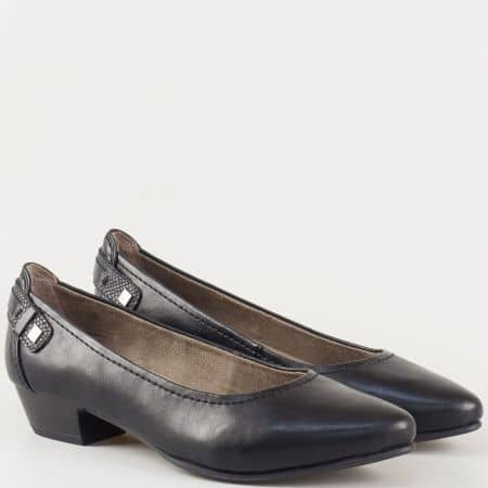 Дамски ежедневни обувки в черен цвят на нисък ток и комфортна стелка на немският производител Jana 822261ch
