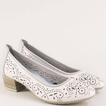 Бели дамски обувки от естествена кожа с перфорация- Jana 822306b