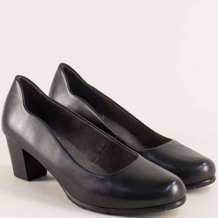 Дамски обувки на среден ток от естествена кожа в черно 82240423ch